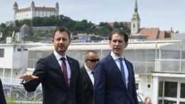 Slovenský premiér Eduard Heger a rakúsky kancelár Sebastian Kurz.