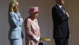 kráľovná-Alžbeta-manželia-Bidenovci