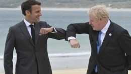 samit-G7-boris-johnson-emmanuel-macron