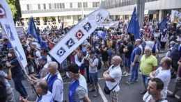 Protest odborárov v Bratislave.