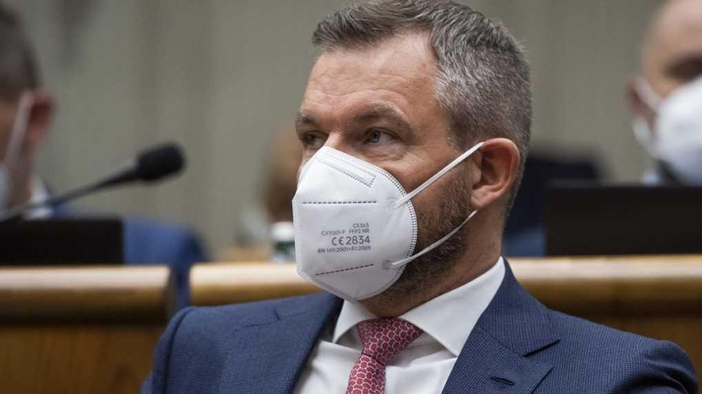 Pellegrini stiahol návrh na odvolanie Kolíkovej, na demisiu vyzýva Hegera