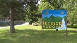 Tabuľa informujúca o Šútovskom vodopáde.