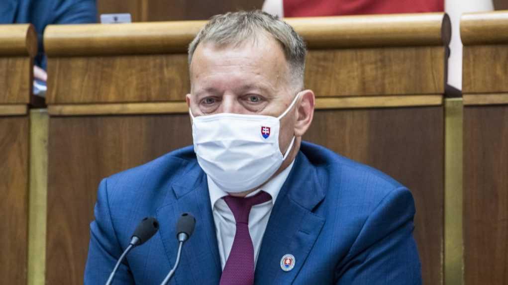 Ústavnoprávny výbor neodporúča Kollárovi zaradiť na rokovanie návrh Smeru-SD k referendu