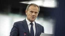 """Tusk sa vracia do poľskej politiky, uviedla pred zjazdom """"jeho"""" Občianska platforma"""