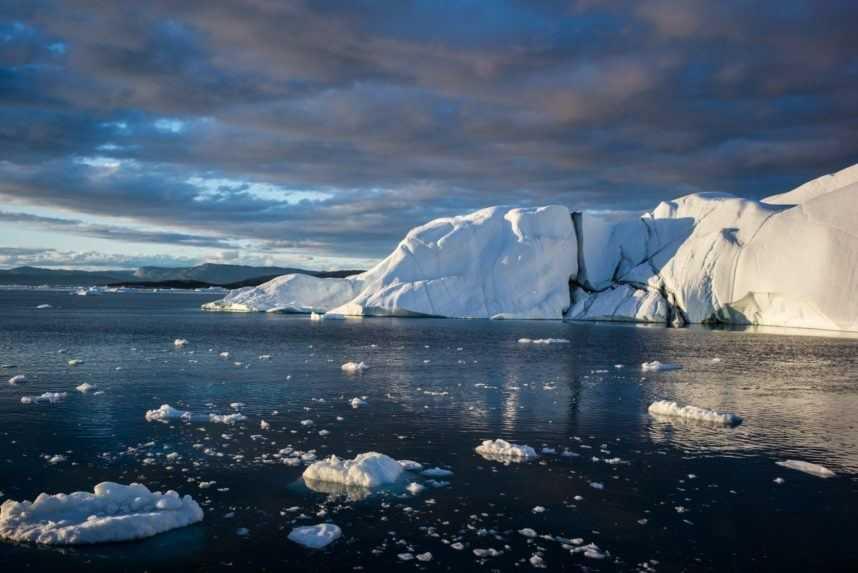 V Grónsku padajú teplotné rekordy, každý deň miznú miliardy ton ľadu