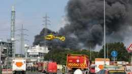 Stúpajúci dym po výbuchu v Leverkusene.