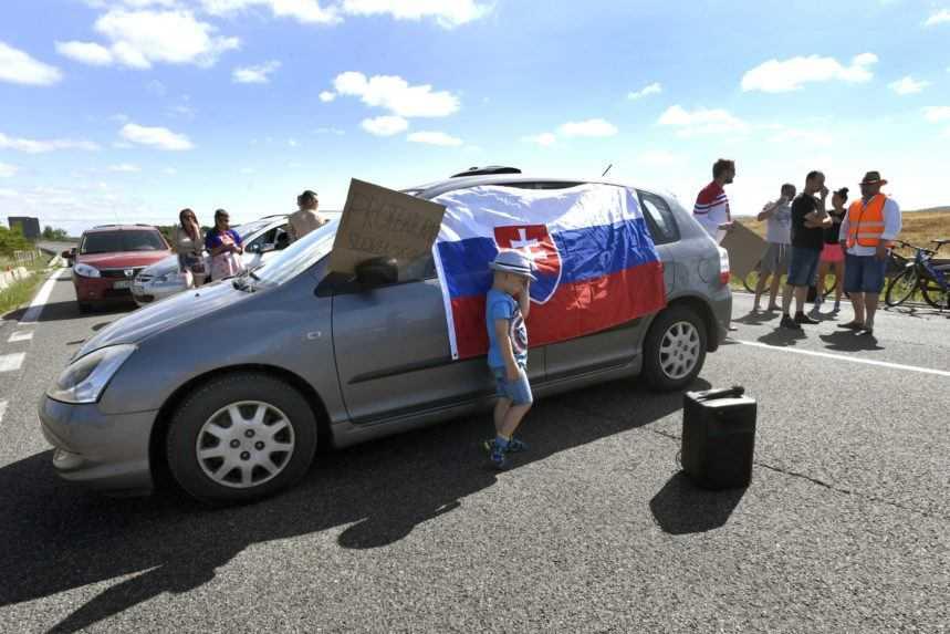 Hraničný priechod Skalica- Sudoměřice zablokovali protestujúci