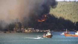 Požiar v v tureckom meste Bodrum.