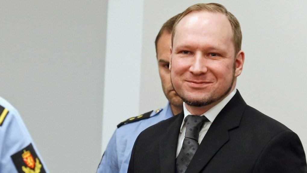 Pre odpor k prisťahovalcom zabil 77 ľudí. Uplynulo 10 rokov od útokov Nóra Breivika