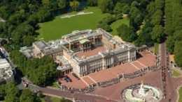 Letecký pohľad na Buckinghamský palác.