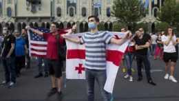 protestujúci v Gruzínsku