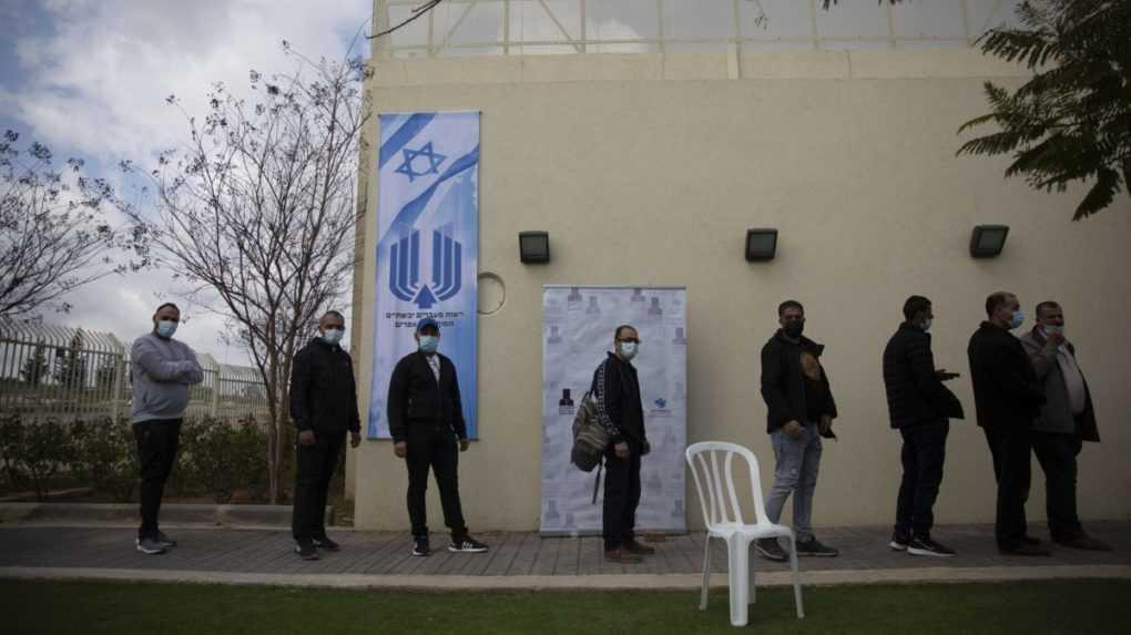 Izrael porazil delta variant vďaka tretej dávke vakcíny, tvrdí virologička