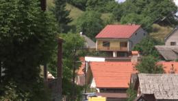 Problémy s elektrinou už v obci Močiar nebudú. Elektrické vedenie preložia zo stĺpov do zeme