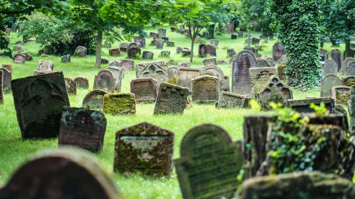 náhrobné kamene