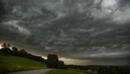búrka počasie mračná