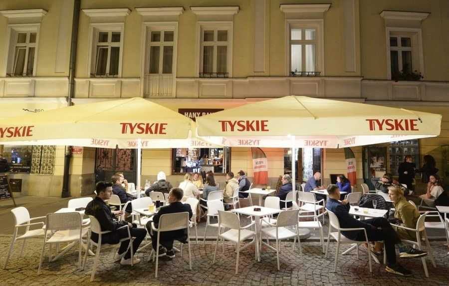 V Poľsku zomrelo za prvý polrok o 60 000 ľudí viac ako v minulom roku