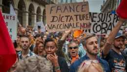 protestujúci v Paríži