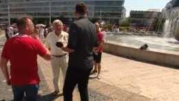 Na proteste v Bratislave došlo k fyzickému útoku na štáb RTVS