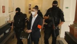 Prokurátor podal obžalobu na šestnástich obvinených zo zločineckej skupiny  takáčovcov