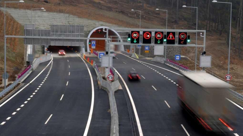 Od stredy bude uzavretý jazdný pás R3 na obchvate Trstenej