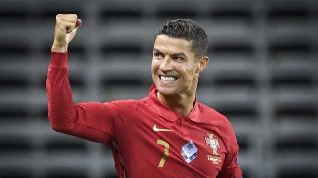 Návrat po 12 rokoch.  Cristiano Ronaldo prestupuje do Manchestru United