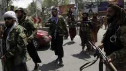 bojovníci Talibanu v Kábule
