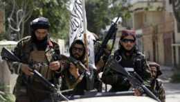 ozbrojení príslušníci hnutia Taliban v Kábule