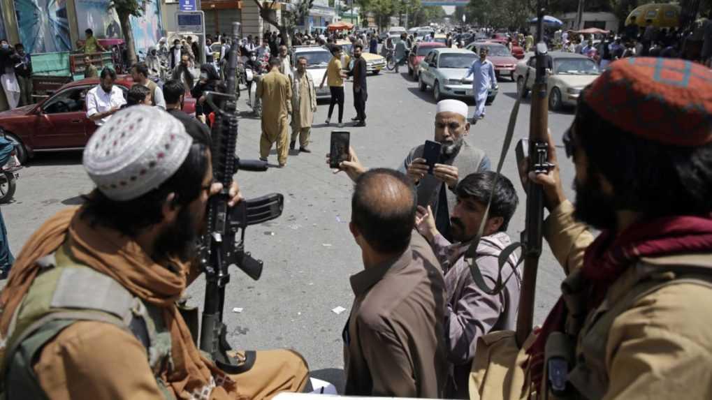 Ďalšie vozidlo Talibanu bolo terčom bombového útoku, zomrelo 5 ľudí