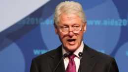 Bývalý americký prezident Clinton je hospitalizovaný