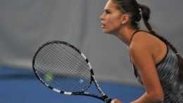 Tenistka Chantal Škamlová