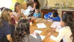 Deti a učitelia v rodičovskom centre