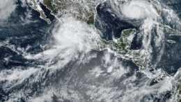 satelitný snímok búrkovej aktivity