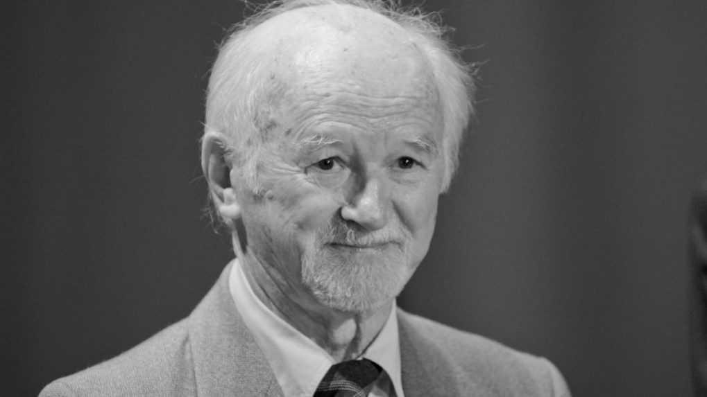 Zomrel básnik a autor detskej literatúry Ján Turan – Správy RTVS