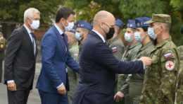 oceňovanie vojakov za misiu v Afganistane