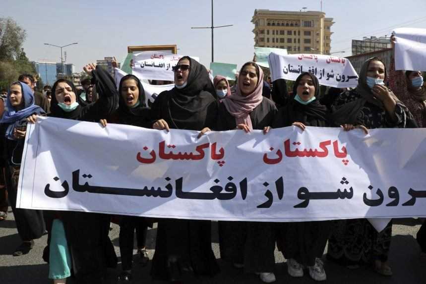 Ženy v Afganistane sa opäť protestom domáhali práva pracovať a študovať