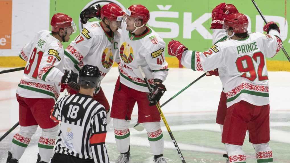 Hráčov nútil podporovať Lukašenka. Šéf bieloruského hokeja odstúpil z funkcie