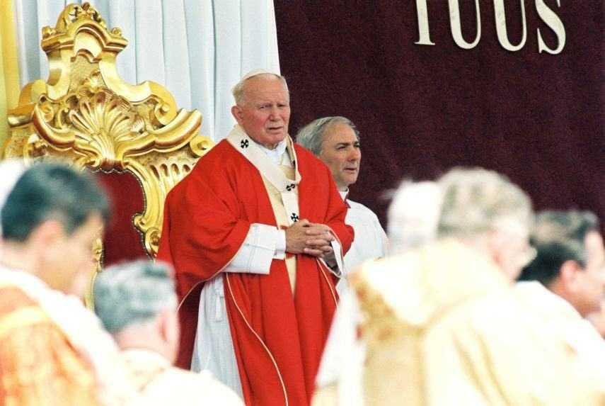 Pápež Ján Pavol II. na návšteve Slovenska v roku 1995.