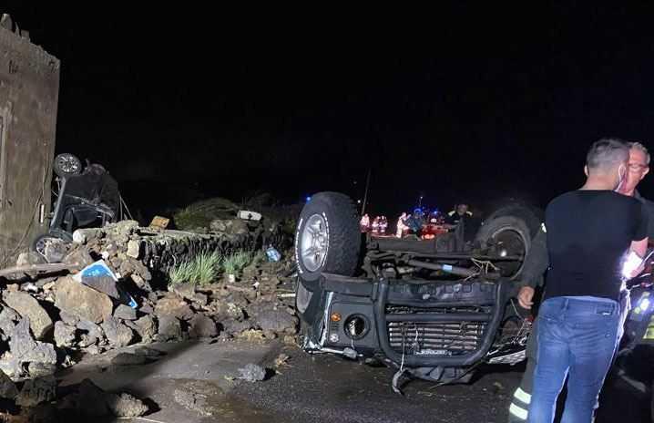 Taliansky ostrov zasiahlo tornádo, autá lietali vzduchom. Dvaja ľudia neprežili