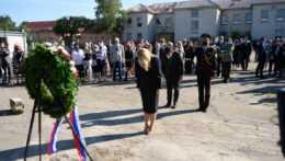prezidentka Zuzana Čaputová počas pietnej spomienky pri príležitosti Pamätného dňa obetí holokaustu a rasového násilia v Múzeu holokaustu v Seredi