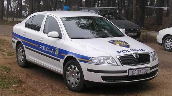 Rakúsky finančník údajne zavraždil svoje tri deti a pokúsil sa o samovraždu