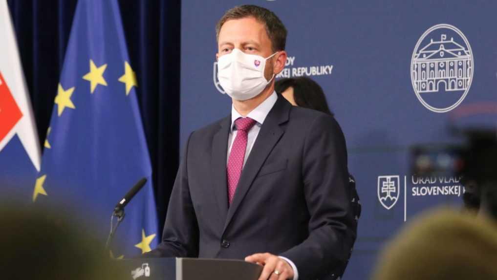 Premiér Heger si vie predstaviť vládu bez Sme rodina