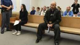 Odsúdení Michaela Krajčová a Ján Moncoľ v súdnej sieni