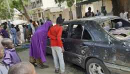 Dostrieľané auto v meste Maiduguri