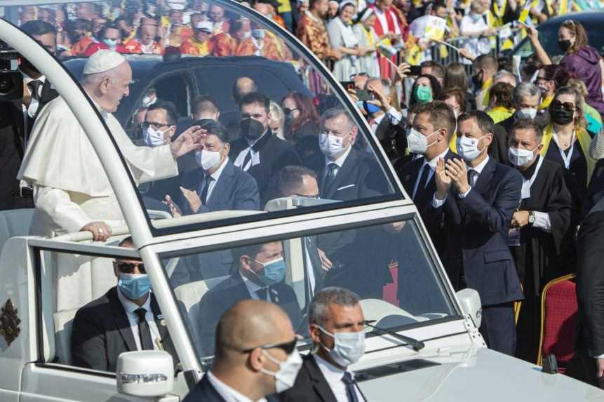 Premiér Heger o slovách pápeža: Je to veľmi silný odkaz pre nás všetkých