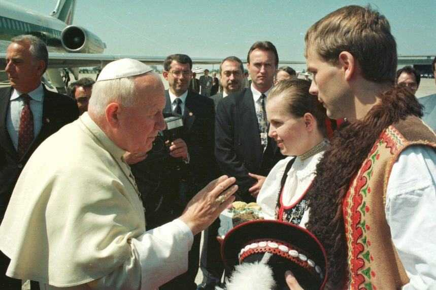 Ján Pavol II. bol u nás trikrát. František je druhý pápež, ktorý navštívi Slovensko