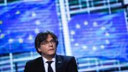 europoslanec a bývalý katalánsky premiér Carles Puigdemont