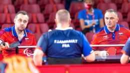 slovenskí reprezentanti v stolnom tenise Ján Riapoš a Martin Ludrovský.