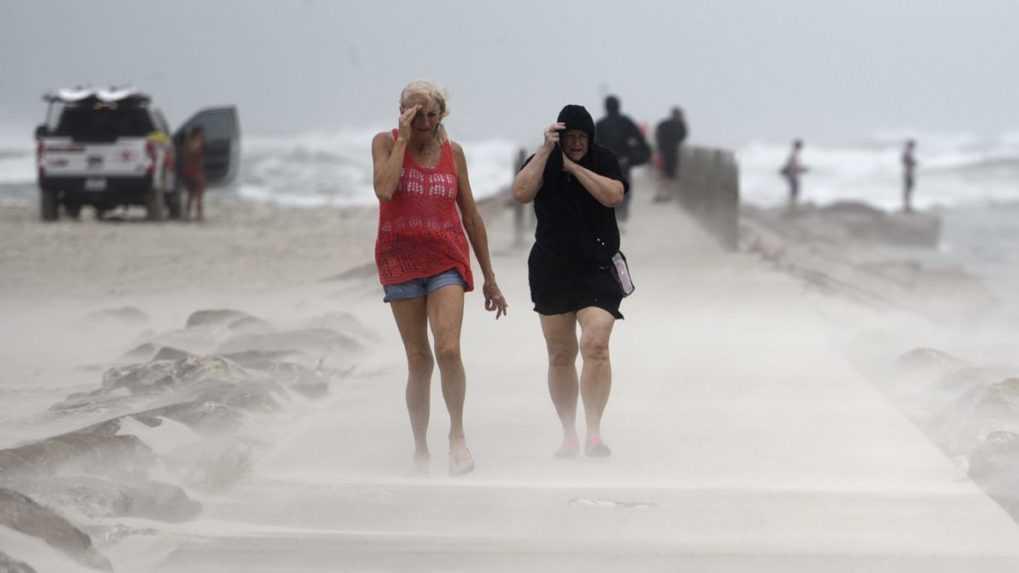 Hurikán Nicholas dorazil do Texasu