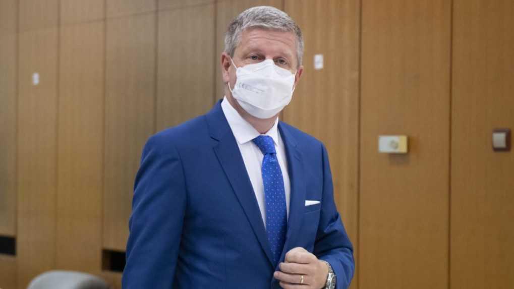 Začala sa reprofilizácia nemocničných lôžok, oznámil Lengvarský