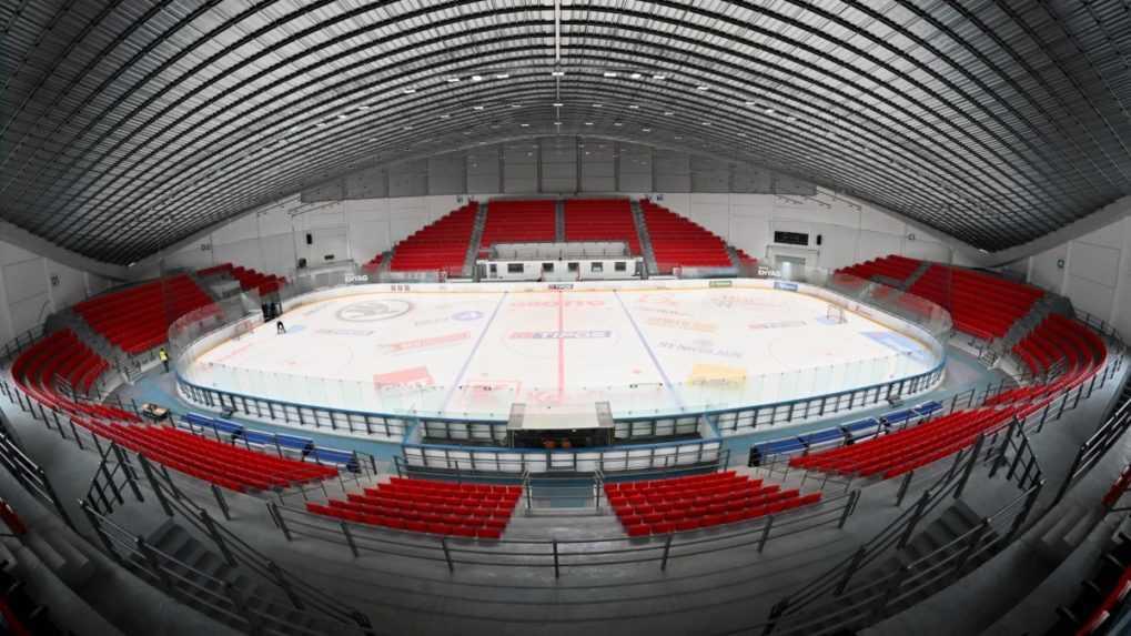 Zimný štadión v Prešove už disponuje všetkými sedačkami. Je pripravený hostiť zápas